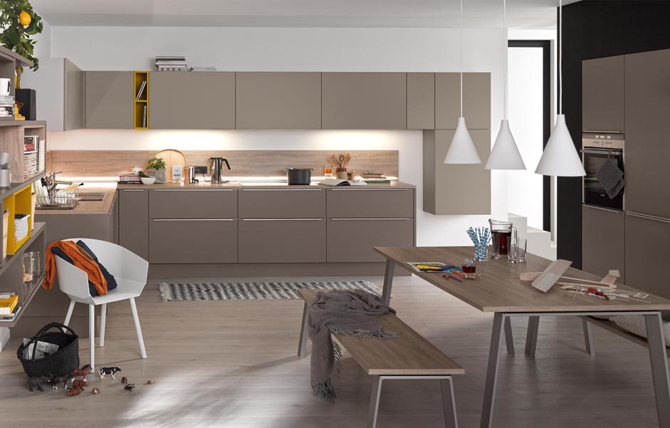 Küchen Weiss Arzberg | Küchenplanung, Küchenstudio, Brigitte-Küchen ...